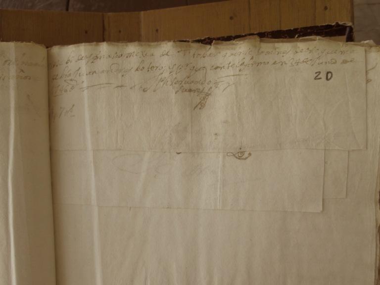 [Folio 20r] Recibí de Ignacio Mejía de Tovar quince tomines de oro que me debía Juan Andrés Botero; y por que conste lo firmo en 24 de junio de 1746. / José Servando Suárez 1 ps 7 tts