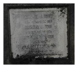 Tumba de Cecilia de la Torre y Dolores de la Torre