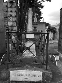 Tumba de José Antonio Mejía Lorenzana