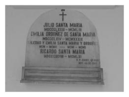 Tumba de Julio Santa María y Emilia Ordoñez