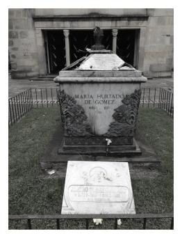 Tumba de María Hurtado De Gómez y Alvaro Gómez Hurtado
